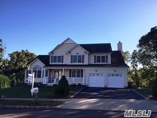 7 Manor Pl, Smithtown, NY 11787 (MLS #3068228) :: Keller Williams Points North