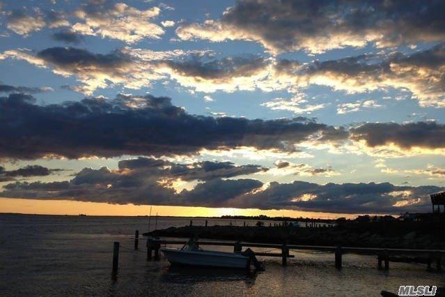 50 Larboard Ct, Oak Beach, NY 11702 (MLS #3069792) :: The Lenard Team
