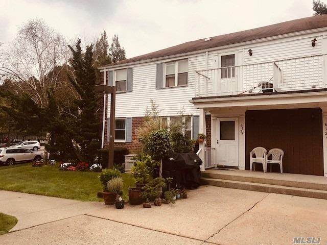 67-24 230th St, Bayside, NY 11364 (MLS #3071471) :: Netter Real Estate