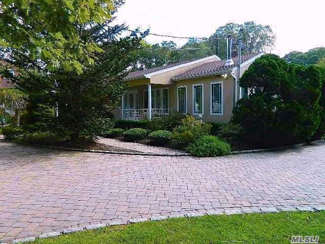 1 Arbutus Ln, Hampton Bays, NY 11946 (MLS #3073909) :: Netter Real Estate