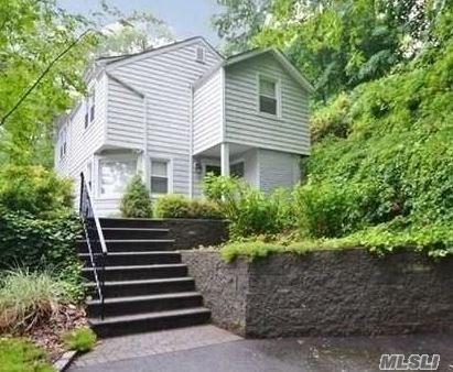 129 Harding Ct, Centerport, NY 11721 (MLS #3074090) :: Signature Premier Properties