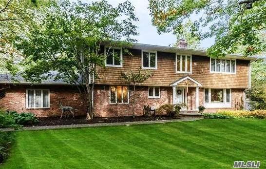 39 Hilltop Dr, Laurel Hollow, NY 11791 (MLS #3077078) :: Signature Premier Properties