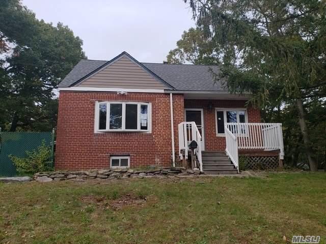 725 Muncey Rd, West Islip, NY 11795 (MLS #3079643) :: Netter Real Estate