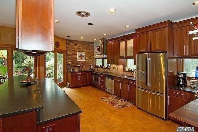 6 Hillcrest Dr, Shoreham, NY 11786 (MLS #3081383) :: Keller Williams Points North