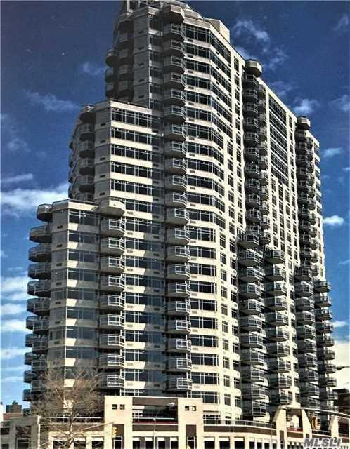 112-01 Queens Blvd 6D1, Forest Hills, NY 11375 (MLS #3086315) :: The Kalyan Team