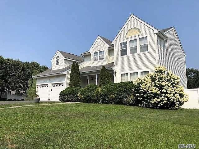 23 Brayton S. Ct, S. Setauket, NY 11720 (MLS #3104269) :: Netter Real Estate