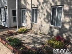31 Juniper Ct, Coram, NY 11727 (MLS #3106679) :: Netter Real Estate
