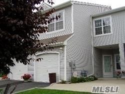 202 Windward Ct, Port Jefferson, NY 11777 (MLS #3109472) :: Netter Real Estate