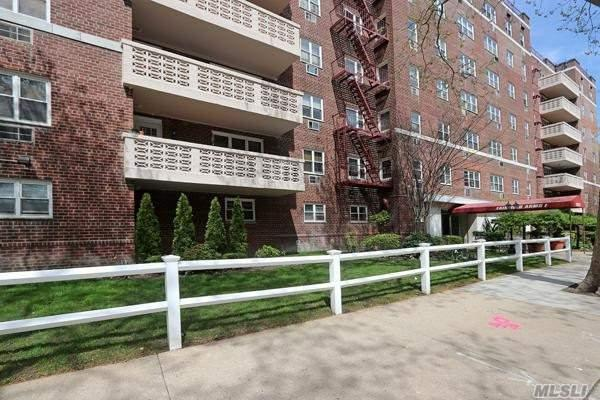 151-20 88th St 5M, Howard Beach, NY 11414 (MLS #3119338) :: Shares of New York