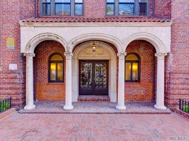 84-12 35th Ave 4B, Jackson Heights, NY 11372 (MLS #3127012) :: Shares of New York
