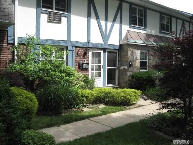10 Glen Hollow Dr C61, Holtsville, NY 11742 (MLS #3137726) :: Shares of New York