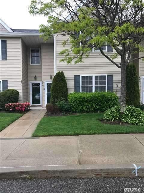 950 Madeira Blvd, Melville, NY 11747 (MLS #2943144) :: Netter Real Estate