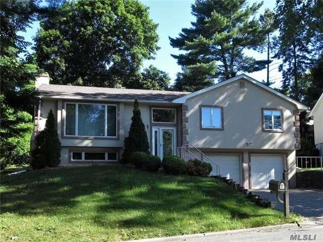 3 Pickwick Hill Dr, Huntington Sta, NY 11746 (MLS #2949916) :: Signature Premier Properties