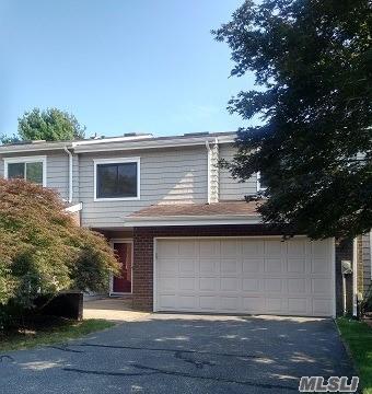 43 E Boathouse Ln, Bay Shore, NY 11706 (MLS #2960469) :: Netter Real Estate
