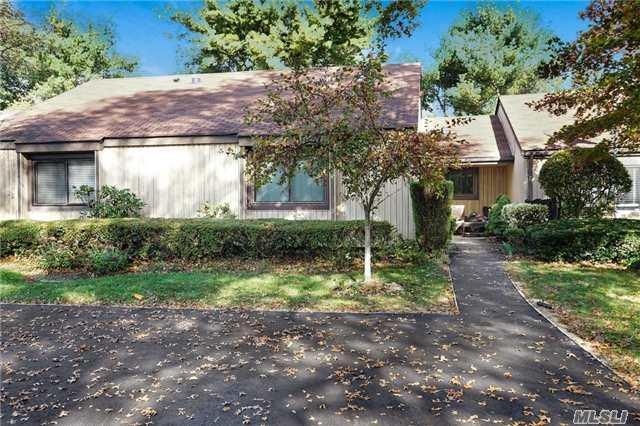 175 Strathmore Gate Dr, Stony Brook, NY 11790 (MLS #2981655) :: Netter Real Estate