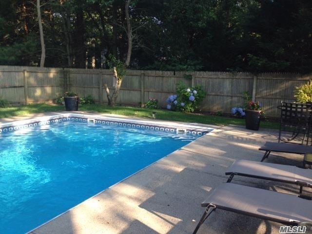10 Maryland Blvd, Hampton Bays, NY 11946 (MLS #3007328) :: Netter Real Estate