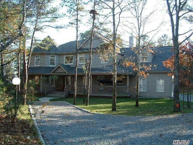 108 E Tiana Rd, Hampton Bays, NY 11946 (MLS #3009249) :: Netter Real Estate