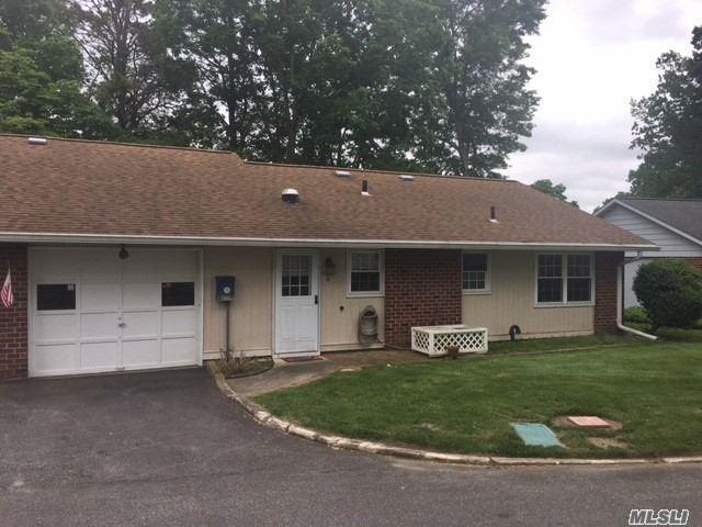 114 Exmore Ct A, Ridge, NY 11961 (MLS #3034890) :: The Lenard Team