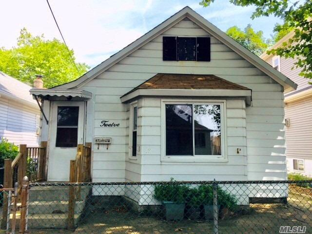 12 Magnolia Pl, Out Of Area Town, NY 10465 (MLS #3047352) :: Netter Real Estate