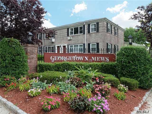 150-27 Jewel Ave B, Kew Garden Hills, NY 11367 (MLS #3084784) :: Netter Real Estate