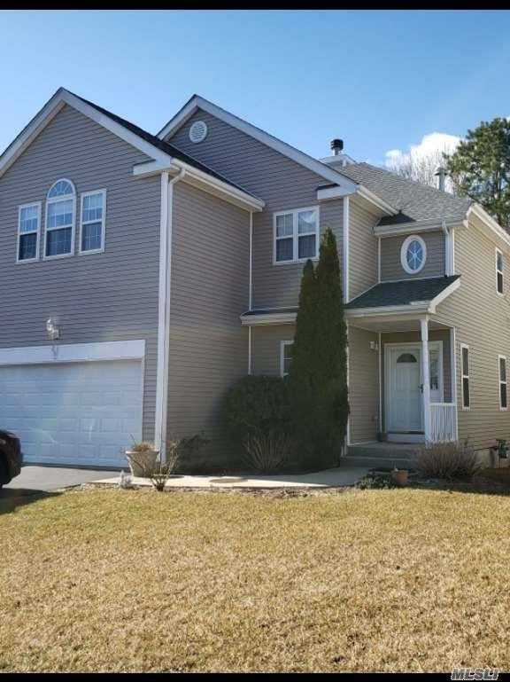 29 Sunflower Ridge Rd, S. Setauket, NY 11720 (MLS #3105312) :: Netter Real Estate