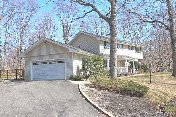 181 Beverly Rd, South Huntington, NY 11746 (MLS #3113868) :: Signature Premier Properties