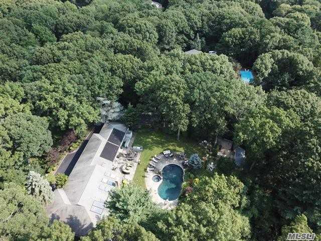 185 Foxhunt Cres, Syosset, NY 11791 (MLS #3114148) :: Signature Premier Properties