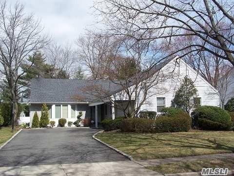 50 Joyce Ln, Woodbury, NY 11797 (MLS #3126157) :: Signature Premier Properties