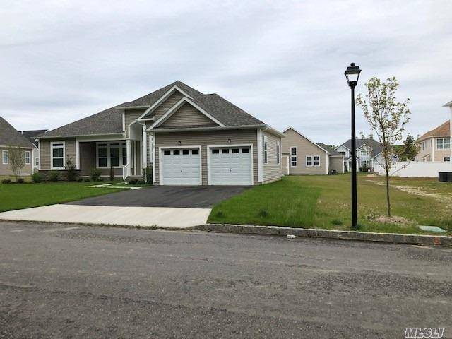 34 Wildflower Dr, Ridge, NY 11961 (MLS #3131829) :: Netter Real Estate