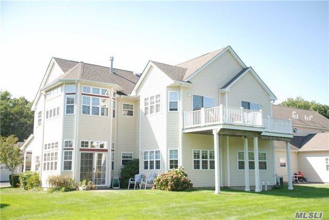 4102 Saint Andrews Ave, Riverhead, NY 11901 (MLS #2932074) :: Netter Real Estate