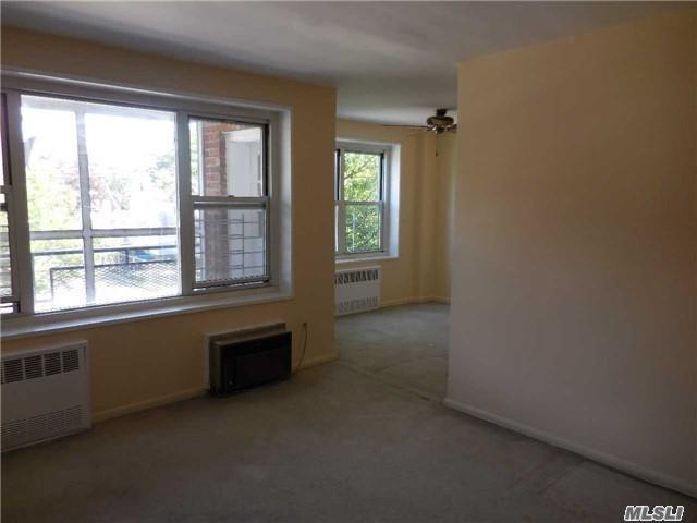 99 Randall Ave 2K, Freeport, NY 11520 (MLS #2942162) :: Netter Real Estate