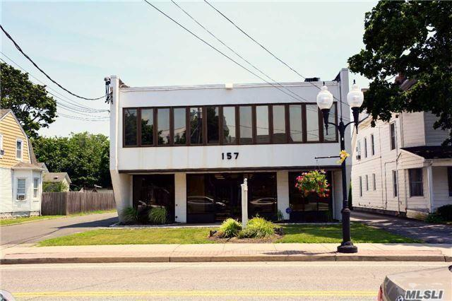 157 N Ocean Ave, Patchogue, NY 11772 (MLS #2953417) :: Netter Real Estate