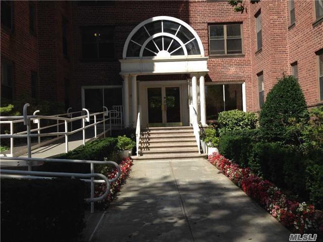 2190 Brigham St 6F, Brooklyn, NY 11219 (MLS #2966302) :: Netter Real Estate