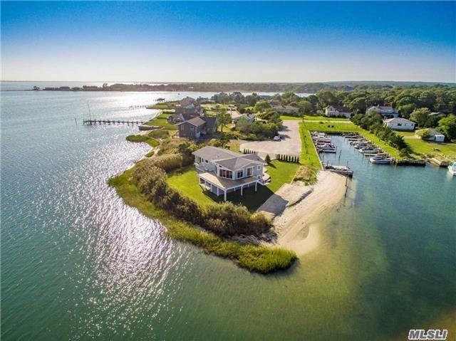 7 Nautilus Ct, Hampton Bays, NY 11946 (MLS #2977605) :: Netter Real Estate