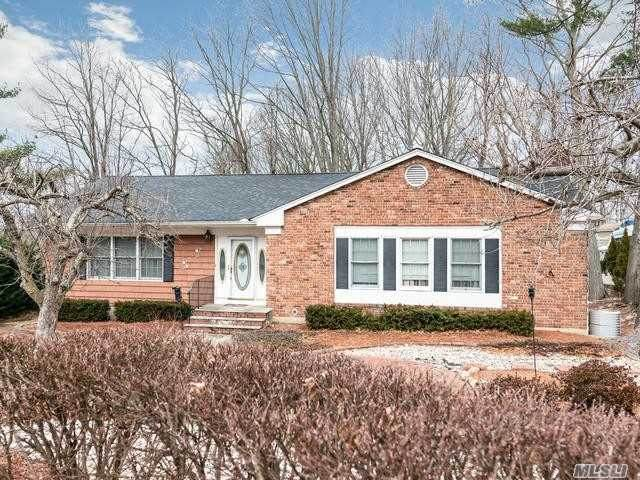 3 Halyard Ct, Cold Spring Hrbr, NY 11724 (MLS #3196104) :: Signature Premier Properties