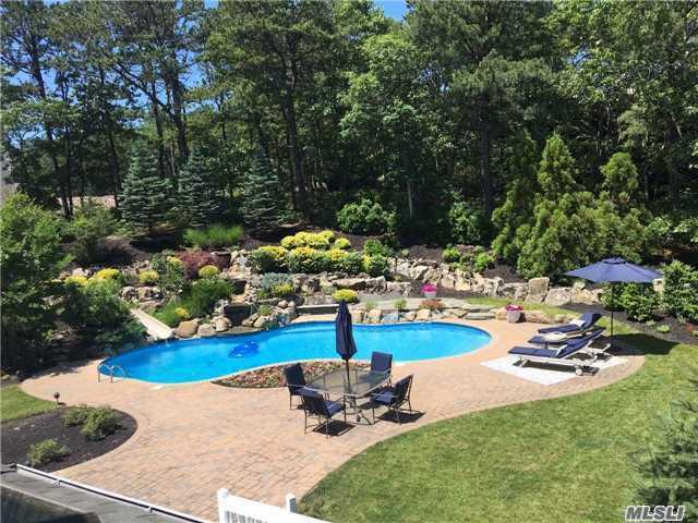 6 Candace Dr, E. Quogue, NY 11942 (MLS #2935658) :: Netter Real Estate