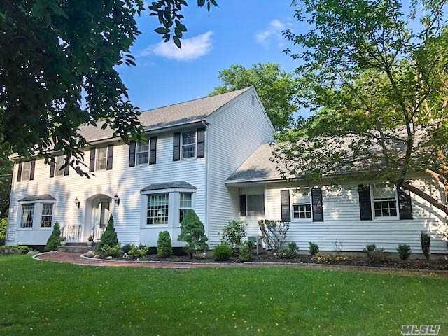681 Horse Race Ln, Nissequogue, NY 11780 (MLS #3005407) :: Netter Real Estate
