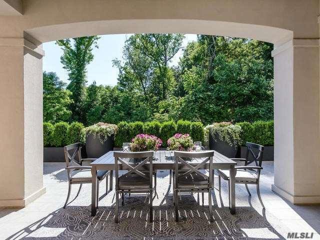 2000 Royal Ct #2006, North Hills, NY 11040 (MLS #3044801) :: Netter Real Estate
