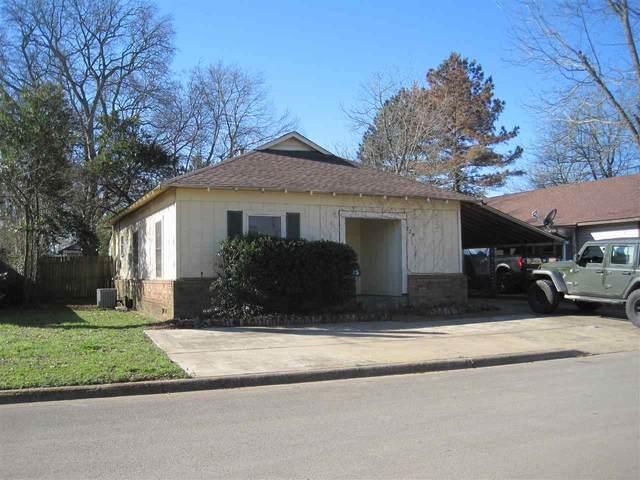 725 Henderson St, Jacksonville, TX 75766 (MLS #20211248) :: Wood Real Estate Group