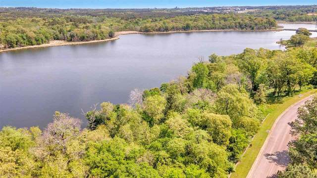 4497 Cascades Shoreline Dr, Tyler, TX 75709 (MLS #20212233) :: Better Homes and Gardens Real Estate Infinity