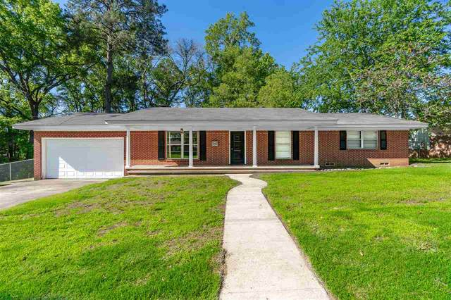 202 Pinewood, Gladewater, TX 75647 (MLS #20212270) :: Better Homes and Gardens Real Estate Infinity