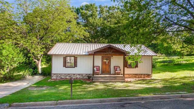 828 W Scott, Gilmer, TX 75644 (MLS #20212409) :: Better Homes and Gardens Real Estate Infinity