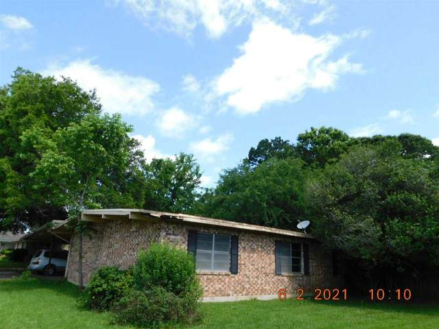 1401 Anita, Center, TX 75935 (MLS #20213027) :: RE/MAX Professionals - The Burks Team