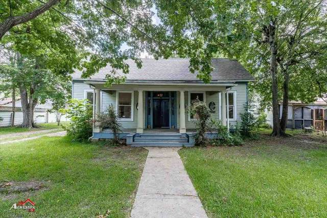 106 W Clarksville, Jefferson, TX 75657 (MLS #20213523) :: Better Homes and Gardens Real Estate Infinity