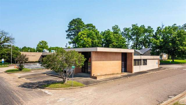300 W Pacific, Gladewater, TX 75647 (MLS #20214083) :: Better Homes and Gardens Real Estate Infinity