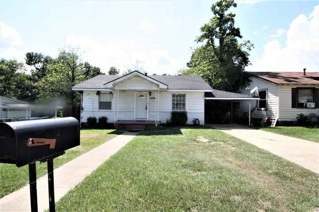 1803 Baxter Ave, Longview, TX 75602 (MLS #20214601) :: RE/MAX Professionals - The Burks Team