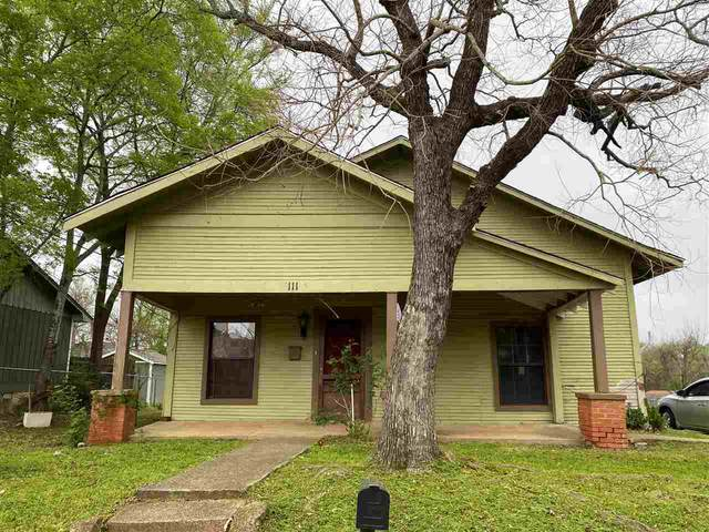 111 S High St., Henderson, TX 75654 (MLS #20211507) :: RE/MAX Professionals - The Burks Team