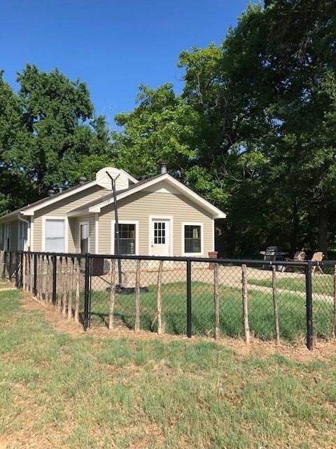 727 Duncan Rd., White Oak, TX 75693 (MLS #20184038) :: RE/MAX Professionals - The Burks Team