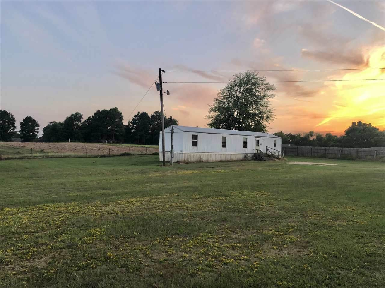 623 County Road 2866 - Photo 1