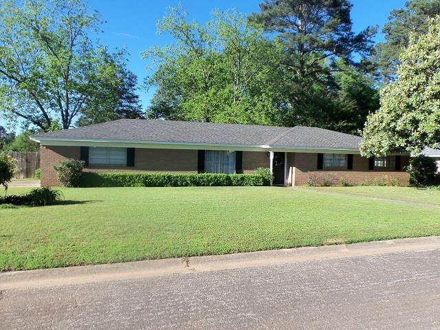 2601 Ridgecrest, Kilgore, TX 75662 (MLS #20212265) :: Better Homes and Gardens Real Estate Infinity
